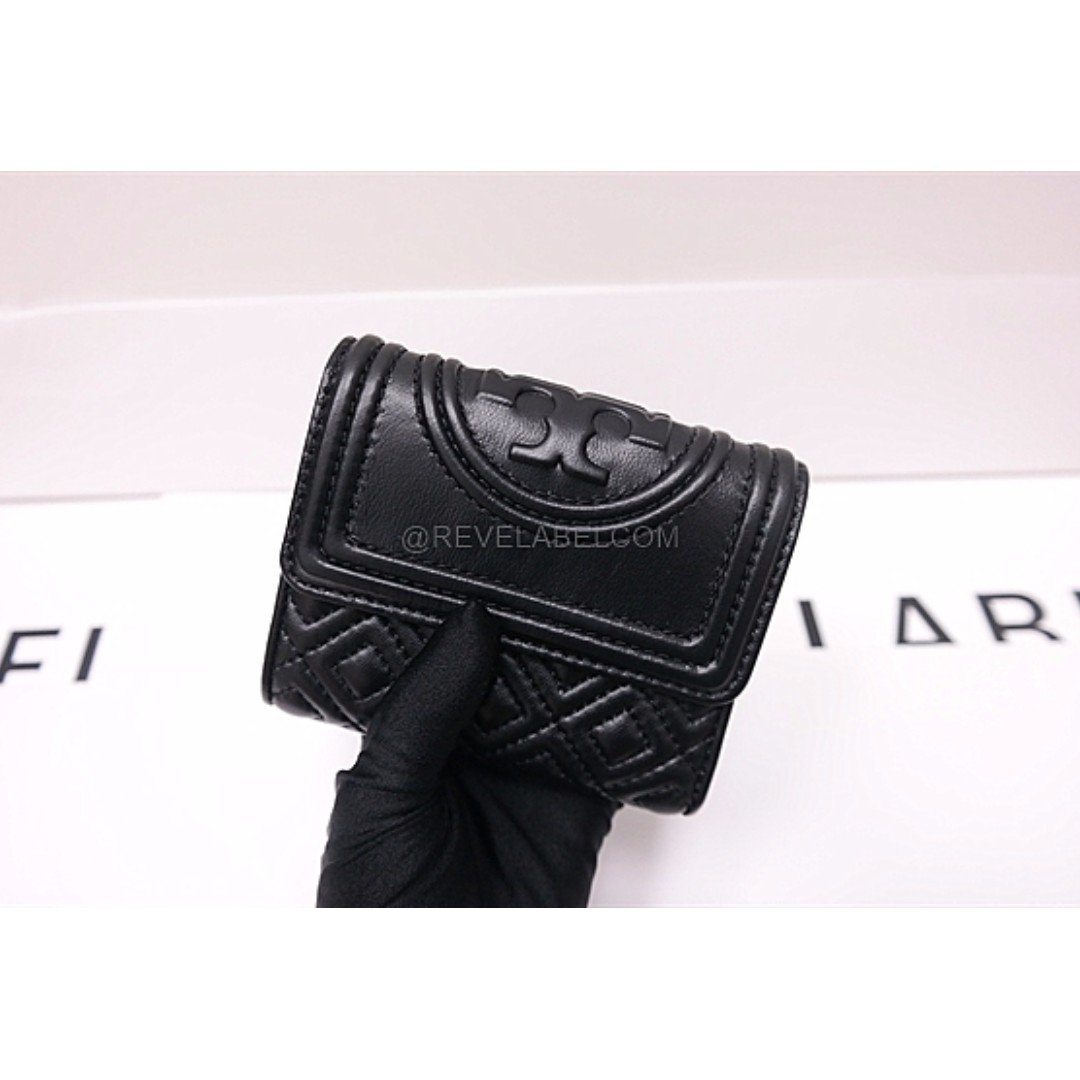 fc5bd01bb9c Tory Burch Fleming Small Flap Wallet Black 31460 001, Luxury, Bags & Wallets  on Carousell