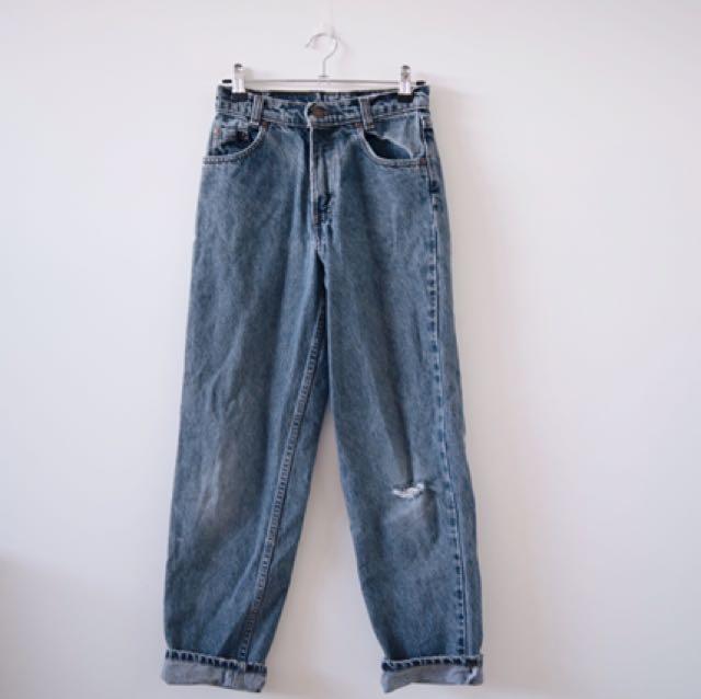 Vintage 535 Levis High waisted Mum Jeans!!