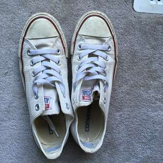 White converse size 4.5 men/6.5 women
