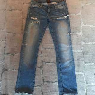 Genetic Denim Size 28 Straight Ripped Jeans