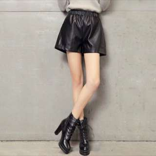 高腰闊腿皮短褲