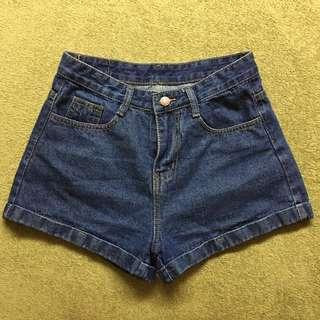🚚 M高腰牛仔短褲