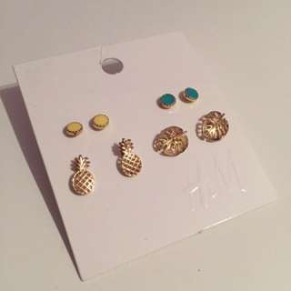 H&M Pineapple Earring Set