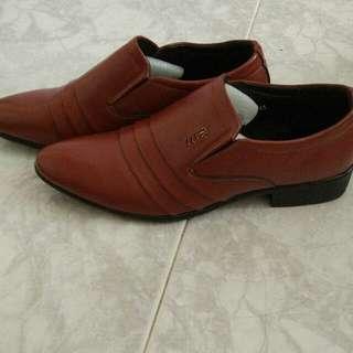 leather pvc shoes
