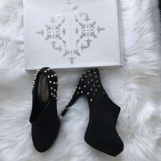 Pied a Terre size 10