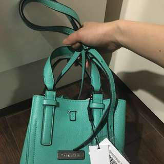 Authentic Calvin Klein hand bag (new)