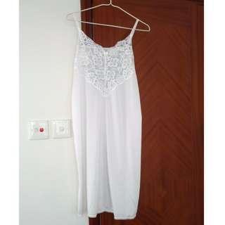 Wacoal 純白色吊帶睡衣裙 大碼