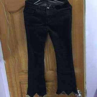黑色喇叭褲