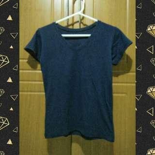 V-neck basic tee T-shirt