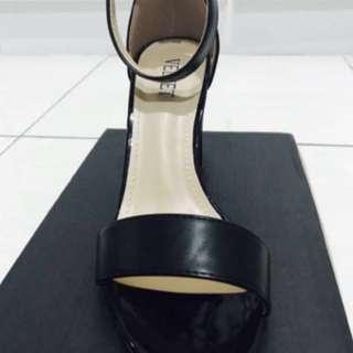 Black Midi Heels by Velvet