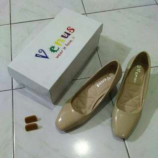 Venus shoes color apricot
