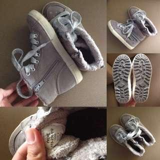 Preloved - NEXT girl sneakers