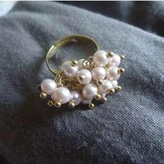 小珍珠戒指
