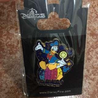特別版!迪士尼 Disneyland pins 襟章 啤牌款 pin trading 小飛象 米奇Mickey  米妮Minnie  高飛狗 怪獸大學 OK Star Wars 小矮人 心形款 Donald Duck daisy chip n dale pluto goofy 電影款 太空款