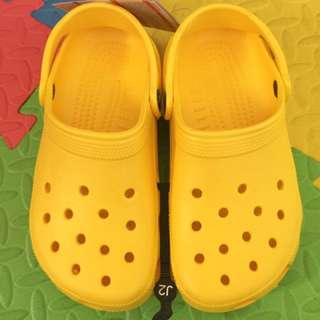 authentic brandnew lemon yellow crocs