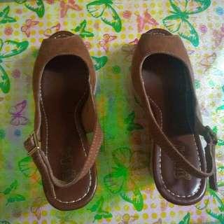 Sepatu Wedges Brash
