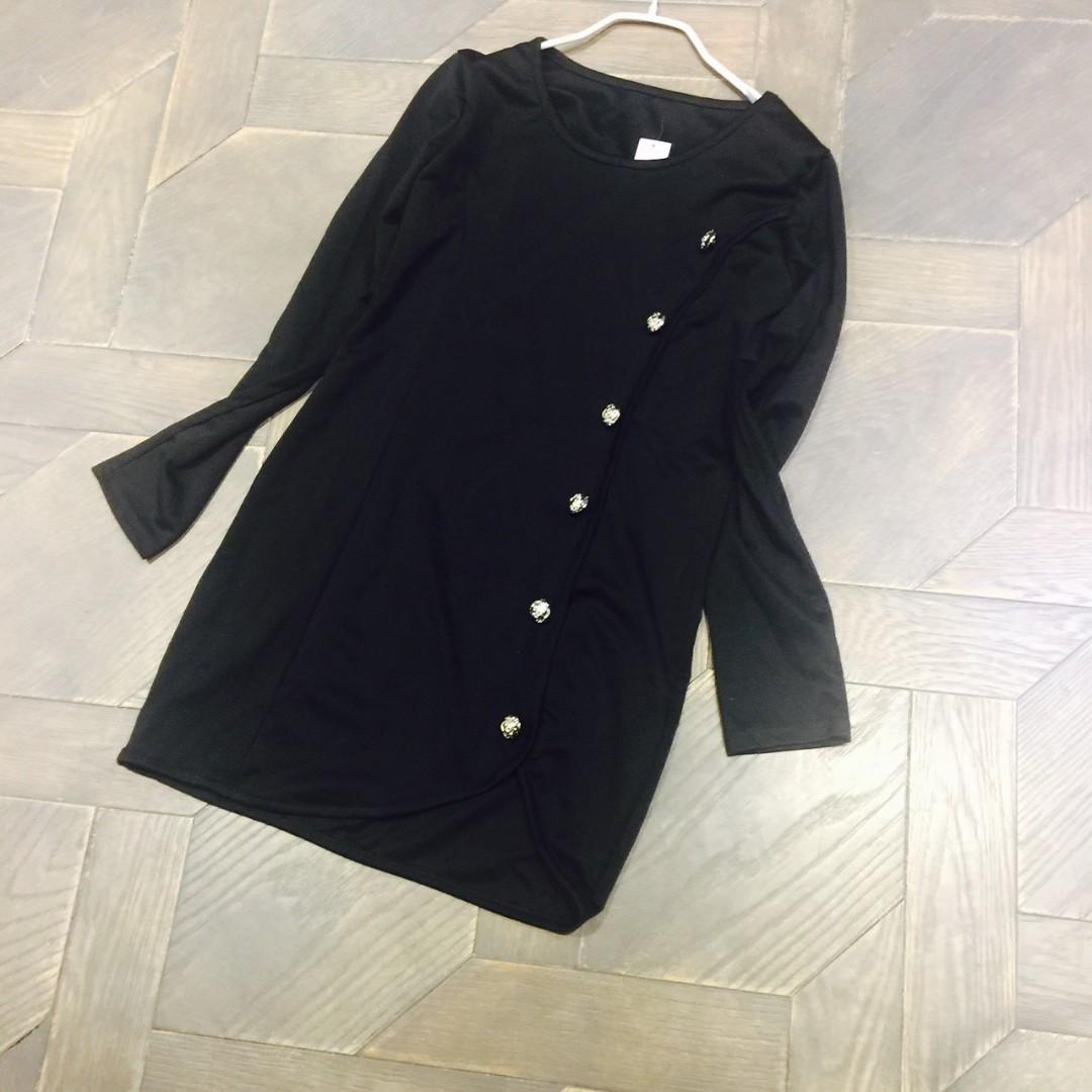 高質感金釦洋裝