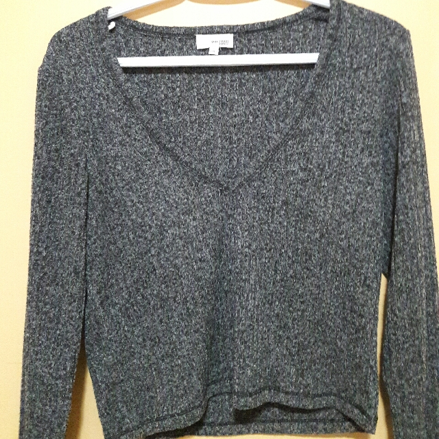 Aritzia Cropped Sweater Black