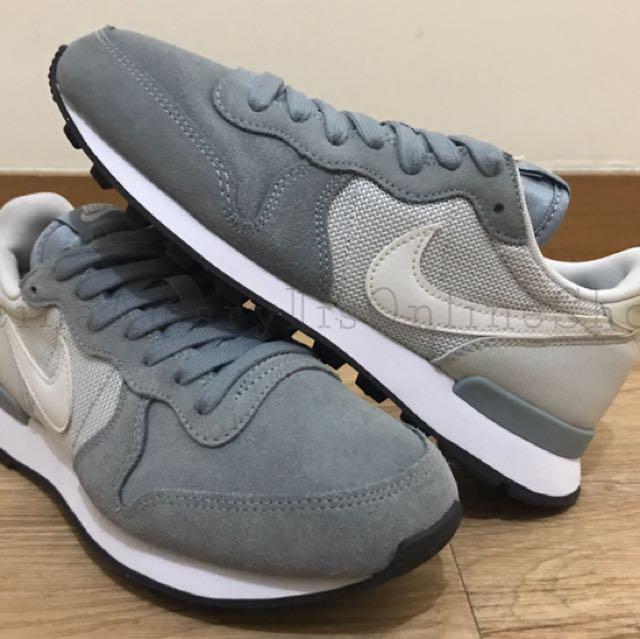 Authentic Nike Internationalist Dove Grey