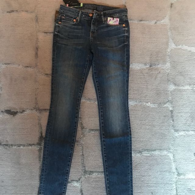 BRAND NEW WITH TAGS Paradise Mine Skinny Jeans (Size 26)