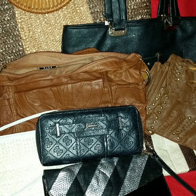 📮 Bulk Handbag, Purse, Wallet Bundle Including Genuine Guess Wristlet