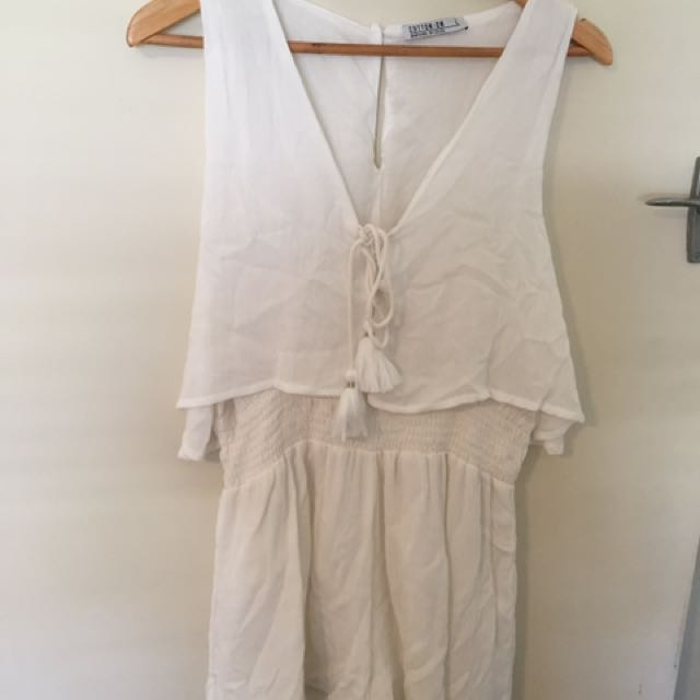 COTTON ON PLAYSUIT. SIZE LARGE.