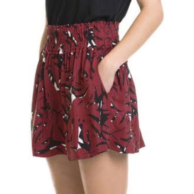 Country Road Size 8 Shorts