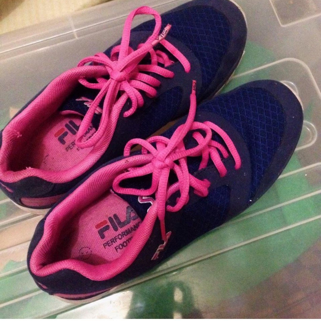 FILA Running Shoes Authentic Size 7