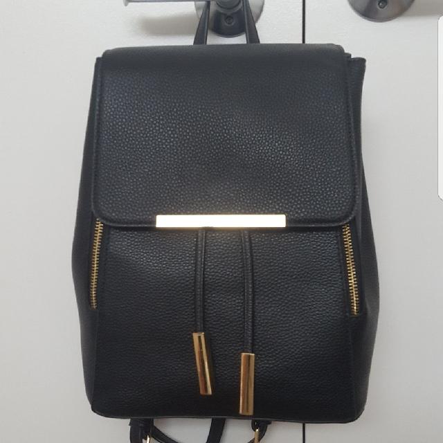 Forever 21 Black & Gold Bag