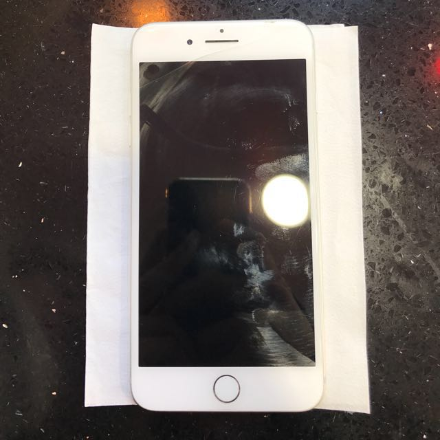 IPHONE 7+ 128GB FULL BOX AND ACCESSORISES