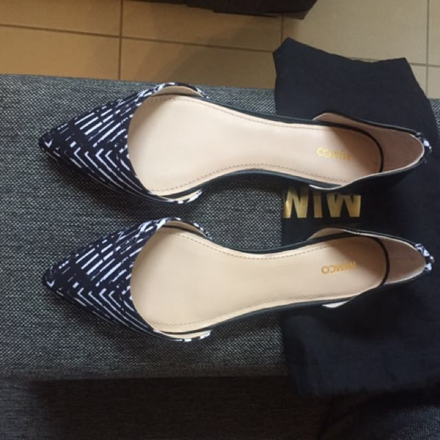 Mimco Black Pointed Leather Flats