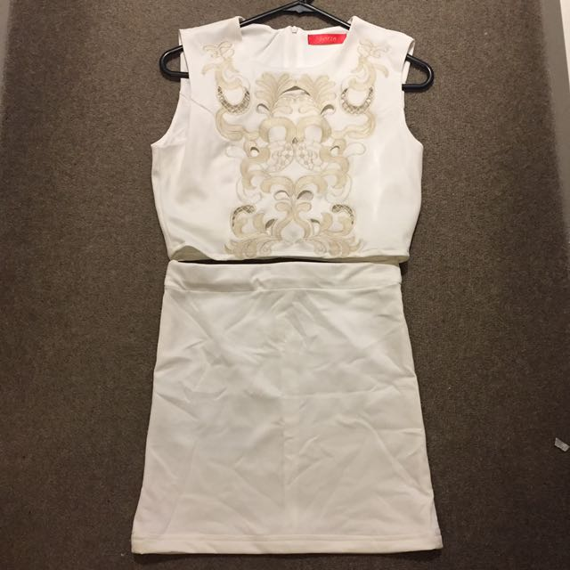 [NEW] White Two Pieces Skirt Size S