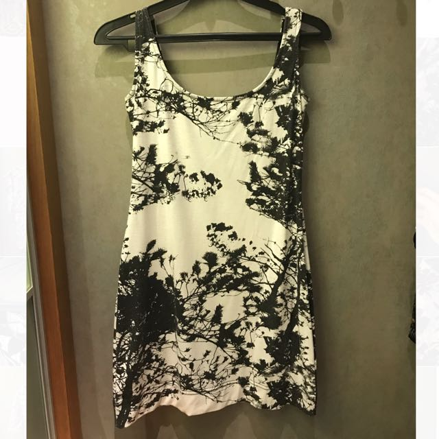 PRELOVED Black & White Abstract Mini Dress