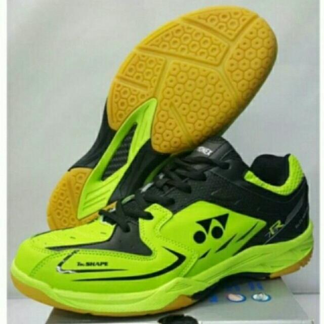Sepatu Badminton YONEX original Size 44