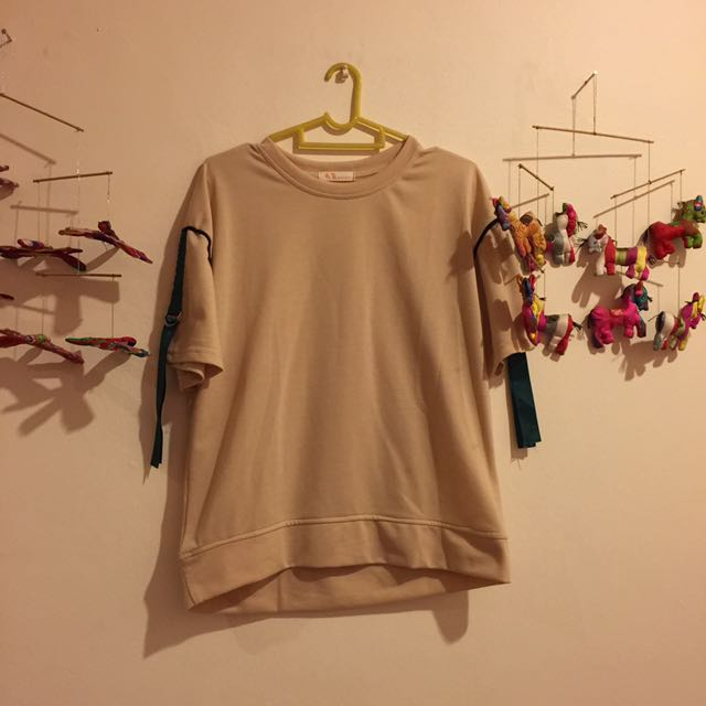 ulzzang tee with buckle strap