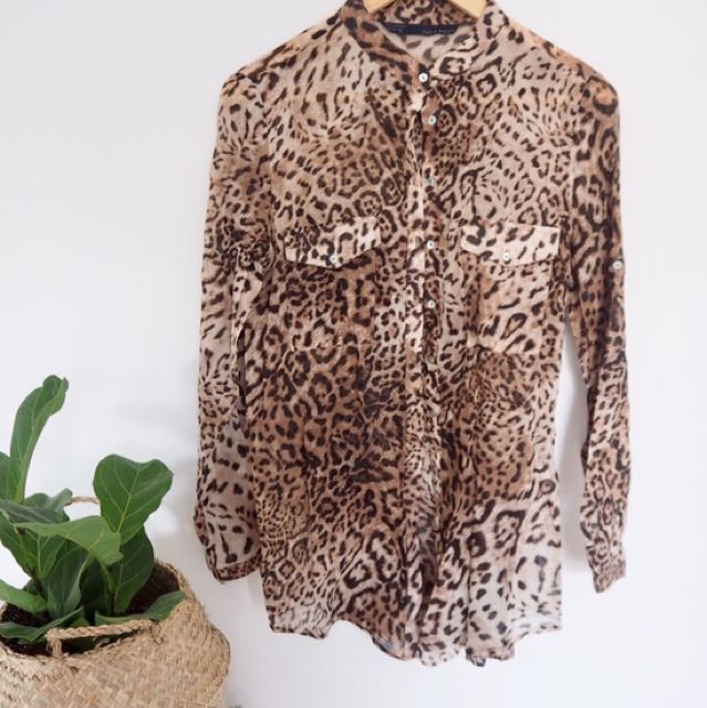 4dff0a6bd741 Zara Leopard print shirt, Women's Fashion, Clothes on Carousell