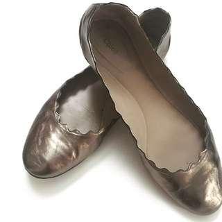 Chloe metallic flat size 37 $515