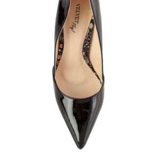 38號,二手經典黑色高跟鞋(穿過一次)