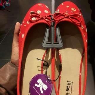 Flat Merah Size 38  (TLTSN)