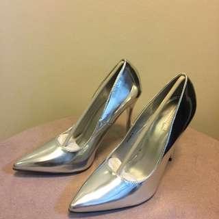 Silver parisian heels