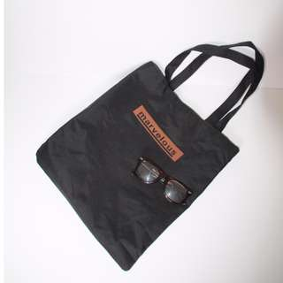 MARVELOUS tote in black