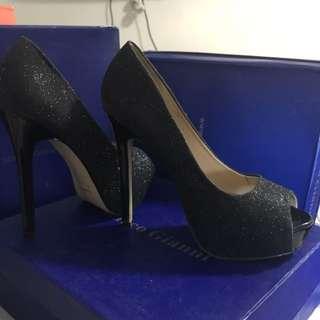 Black shinny heels