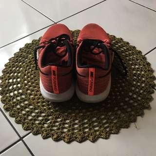 Nike running 亮橘跑步鞋 超舒適 nikeflex