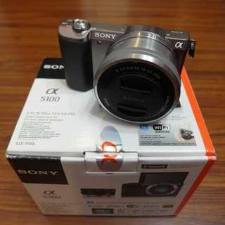 【出售】SONY A5100 + 16-50mm 微單眼相機 公司貨 9.5成新
