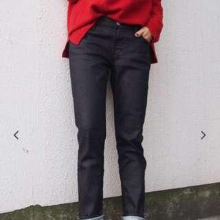 日本品牌 Ungrid 顯瘦黑牛仔褲