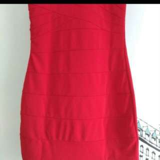 Dress merah cantik