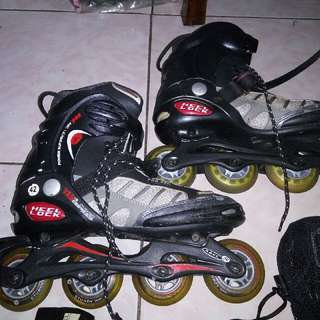 roller blades with accessories