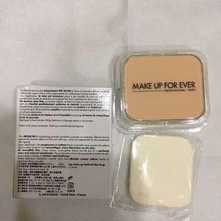 Make up forever美白粉餅