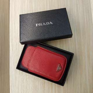 Prada Authentic leather red card holder with original box                               12.5x8cm