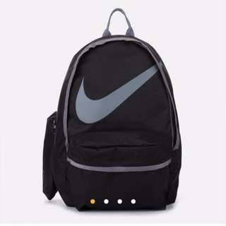 Nike backpack 💯% authentic